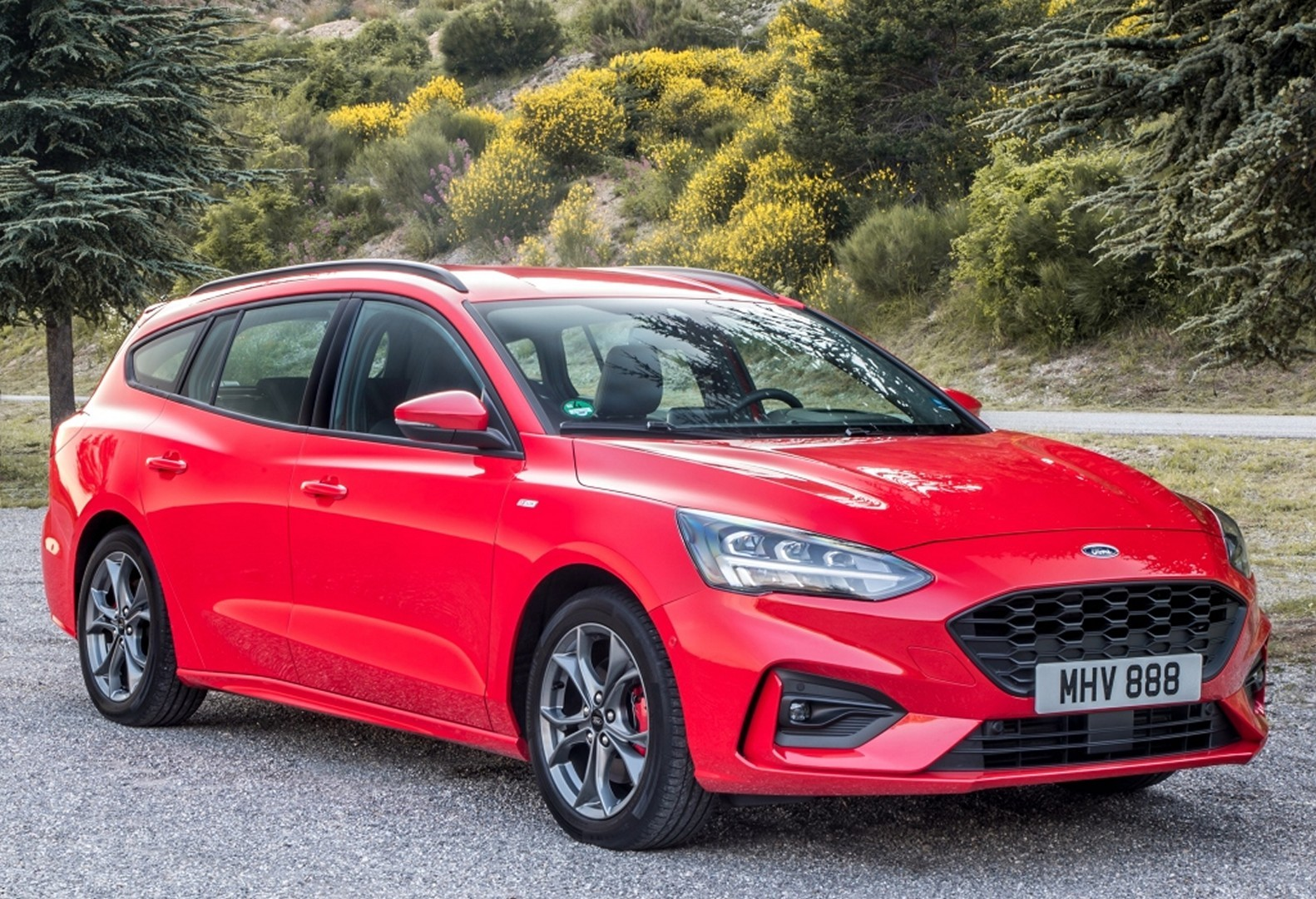 2019 Ford Focus Wagon St Line And Vignale Look Good In Red