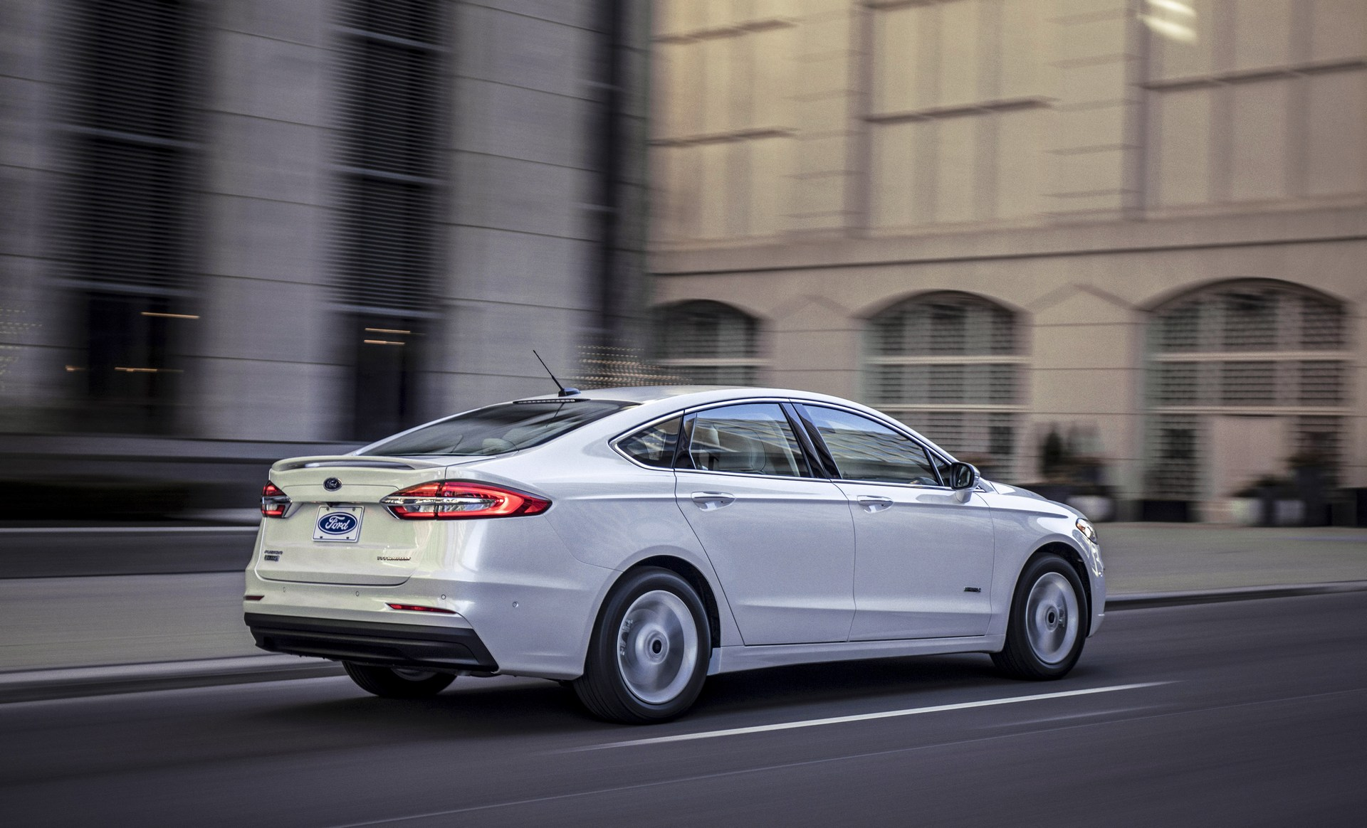 2019 Ford Fusion Debuts With Minor Design Changes, More Safety Tech - autoevolution