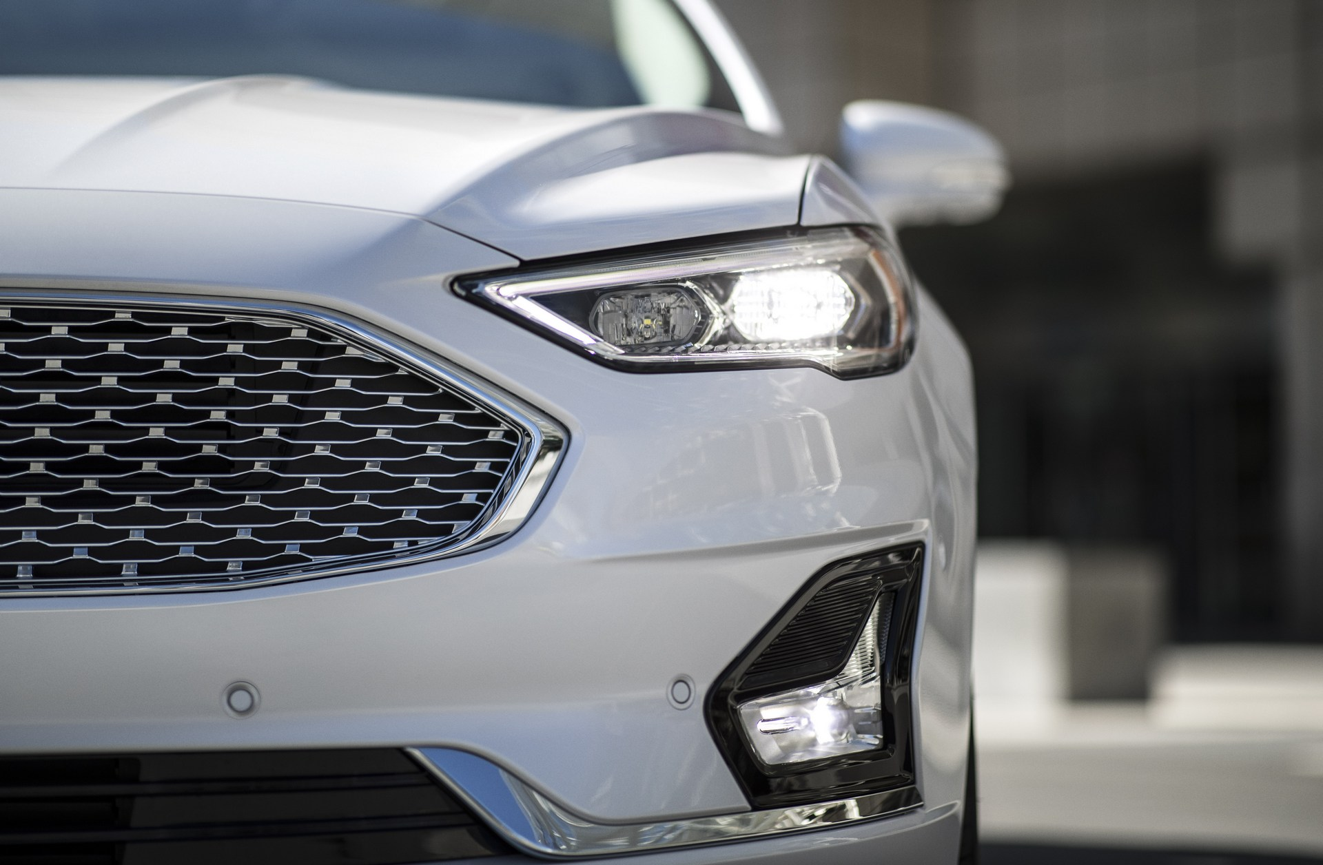 2019 Ford Fusion Debuts With Minor Design Changes, More ...