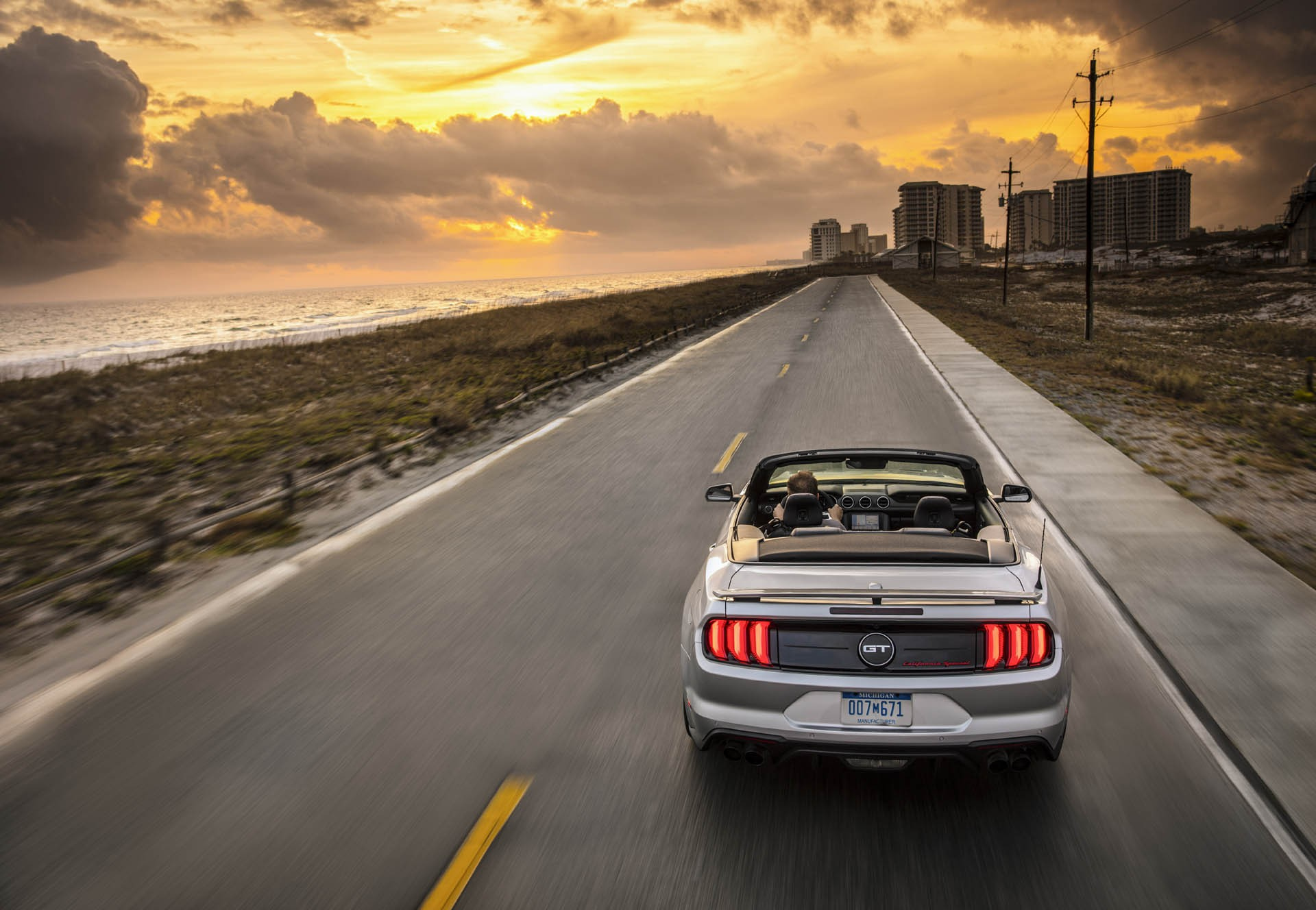 Ford Mustang is the World's Best-Sold Sportscar in 2015, Customers Registered over 76,000 Cars ...