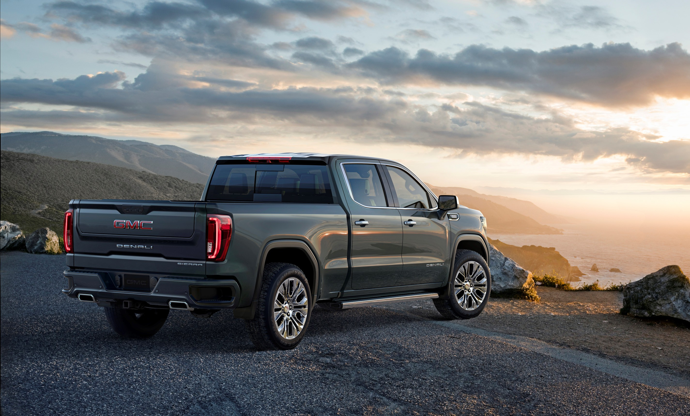 2019 GMC Sierra 1500 Goes Official With Carbon Fiber Bed ...