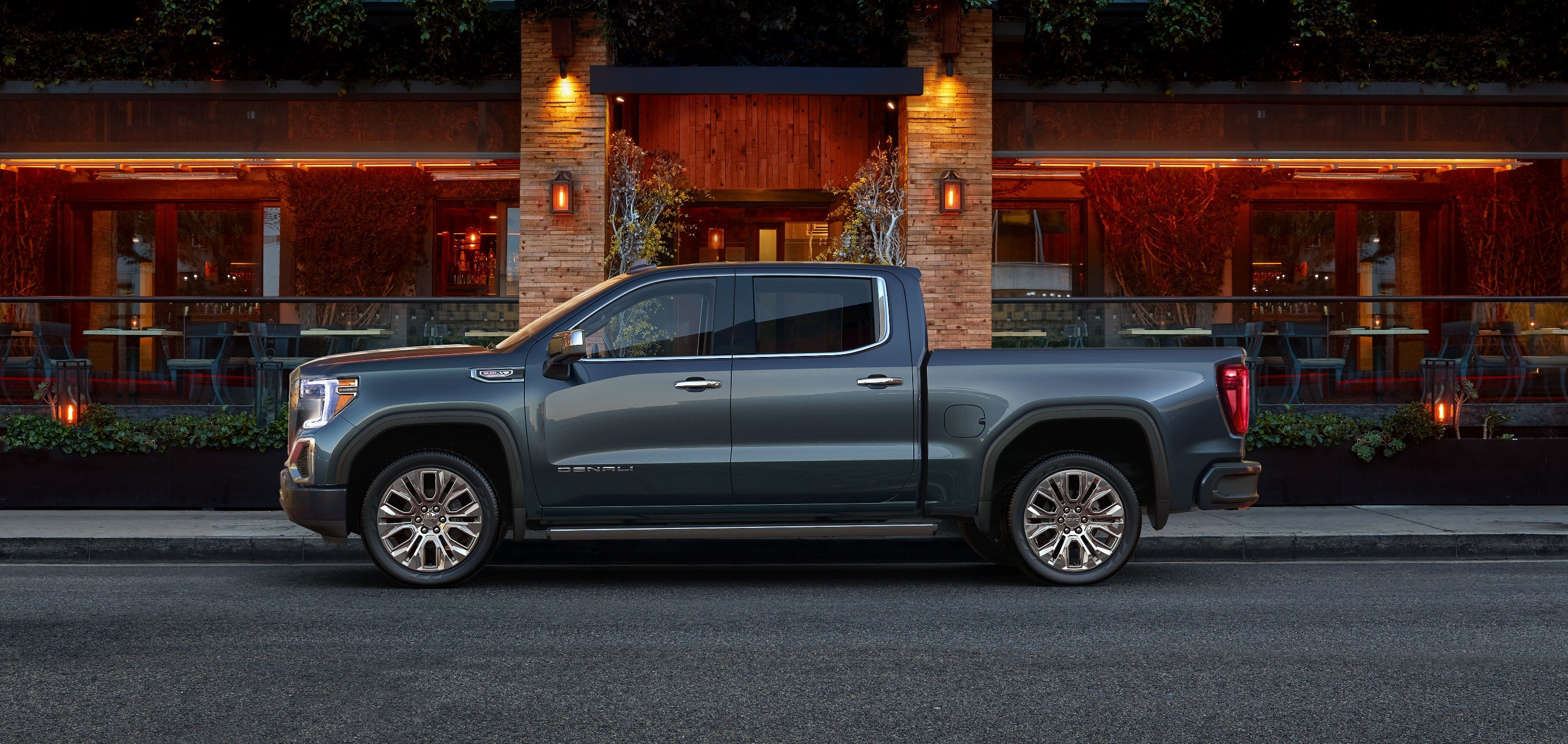 Gmc Sierra Duramaxsel Edges Out Ford F  Powerstrokesel