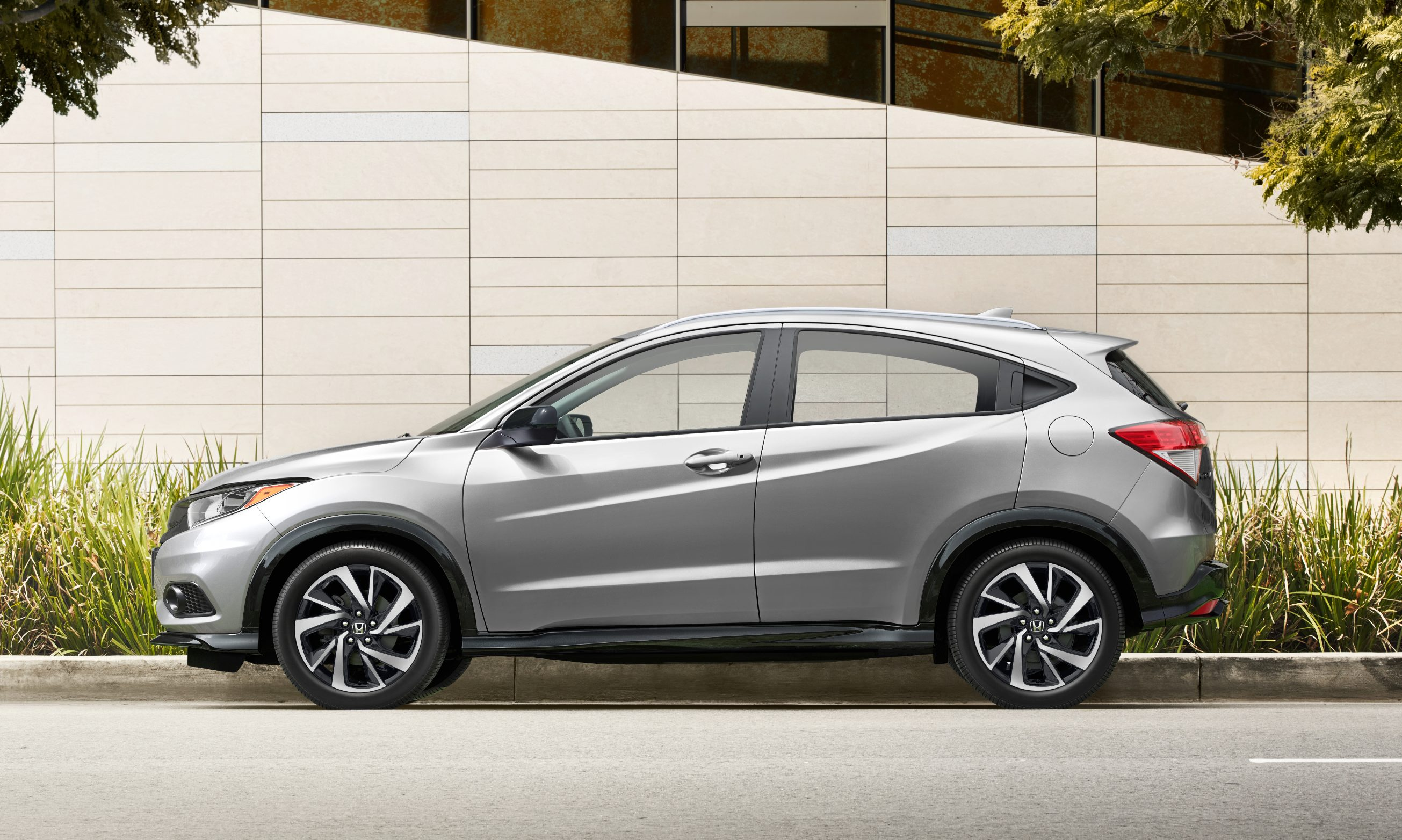 2019 honda hr-v pricing announced  loses manual gearbox