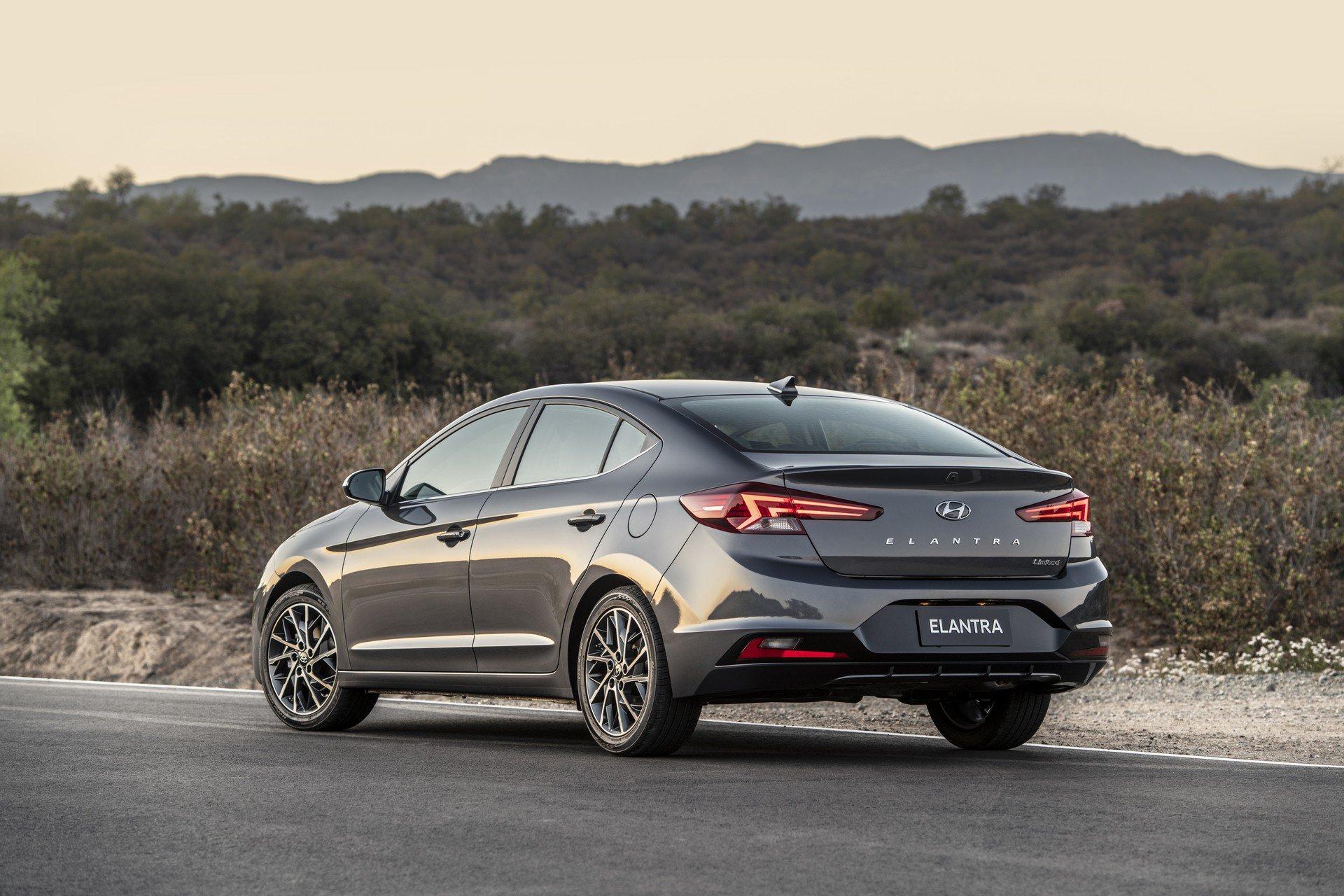2019 Hyundai Elantra Revealed With Extra Sharp Facelift