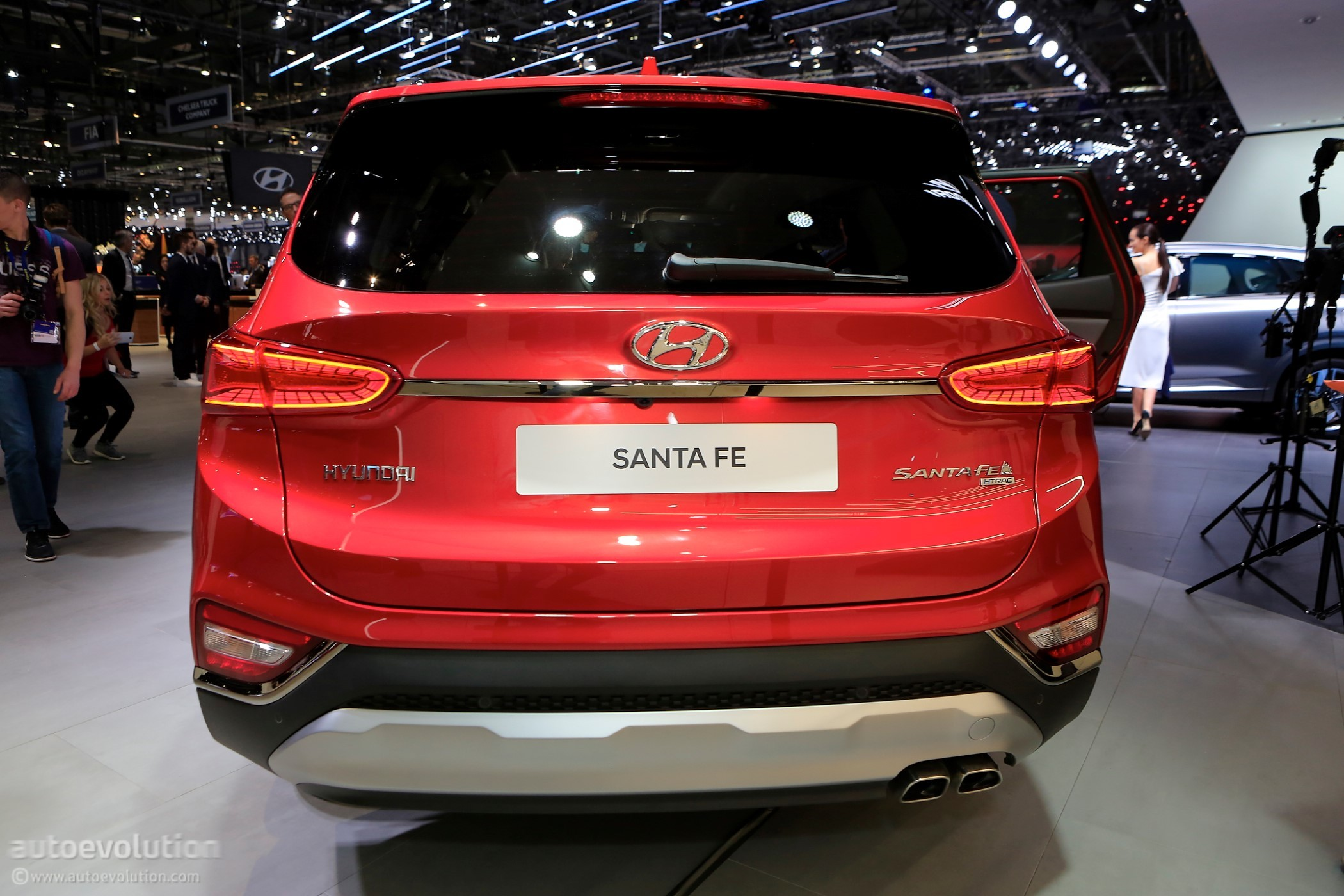 2019 Hyundai Santa Fe Brags With Best-In-Class Safety