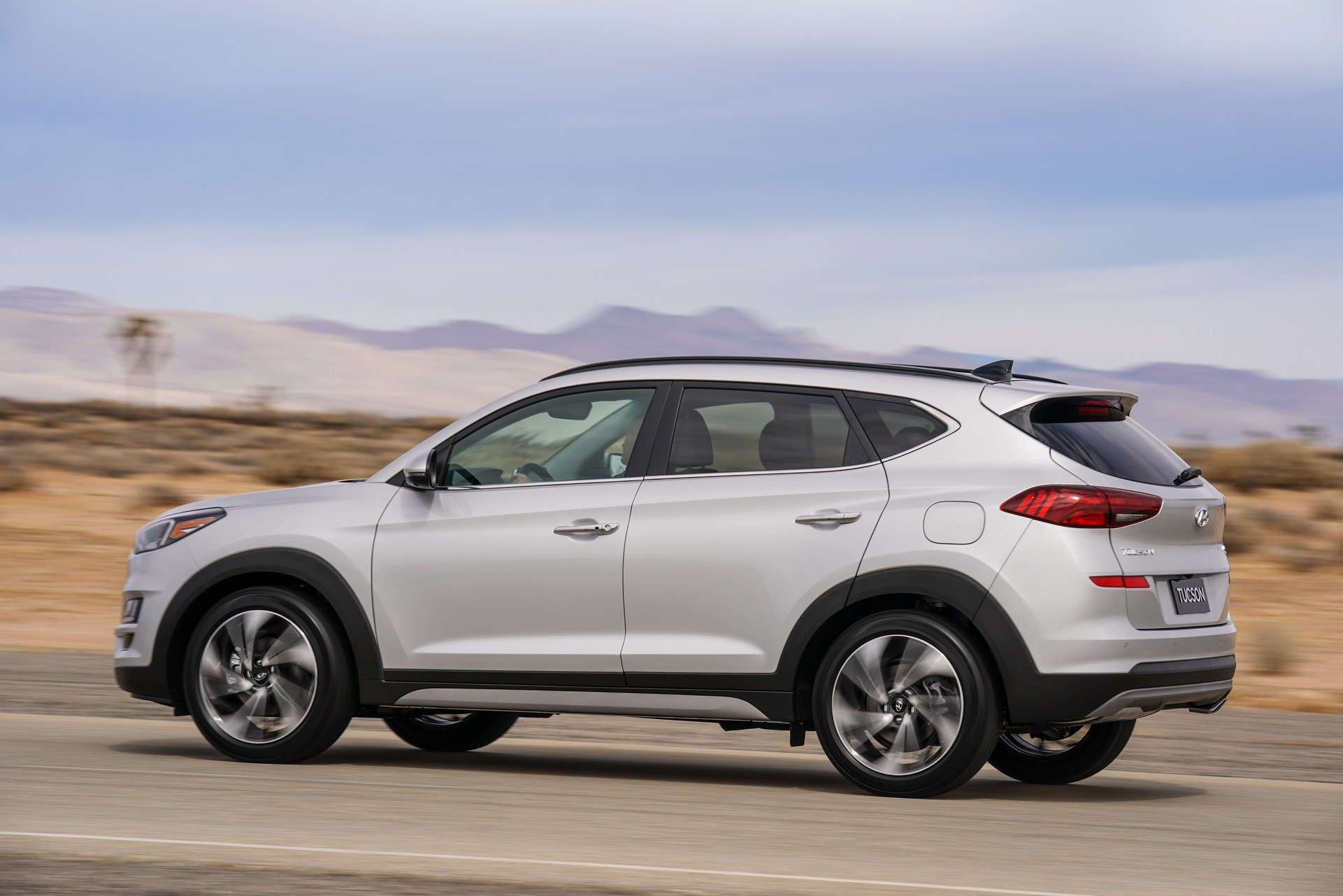2019 hyundai tucson debuts with refreshed face drops 1 6. Black Bedroom Furniture Sets. Home Design Ideas
