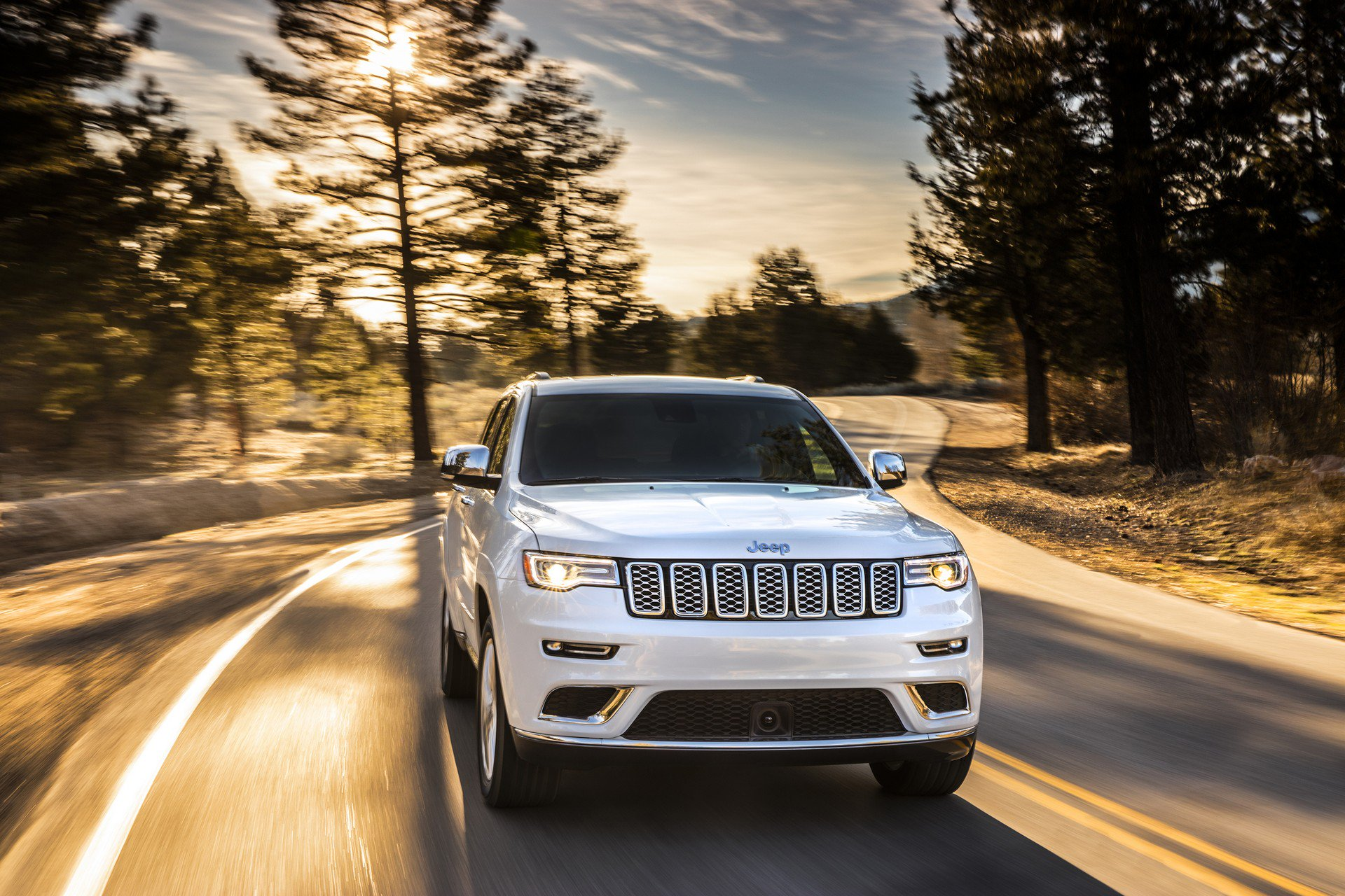 2019 Jeep Grand Cherokee Updated Inside And Out
