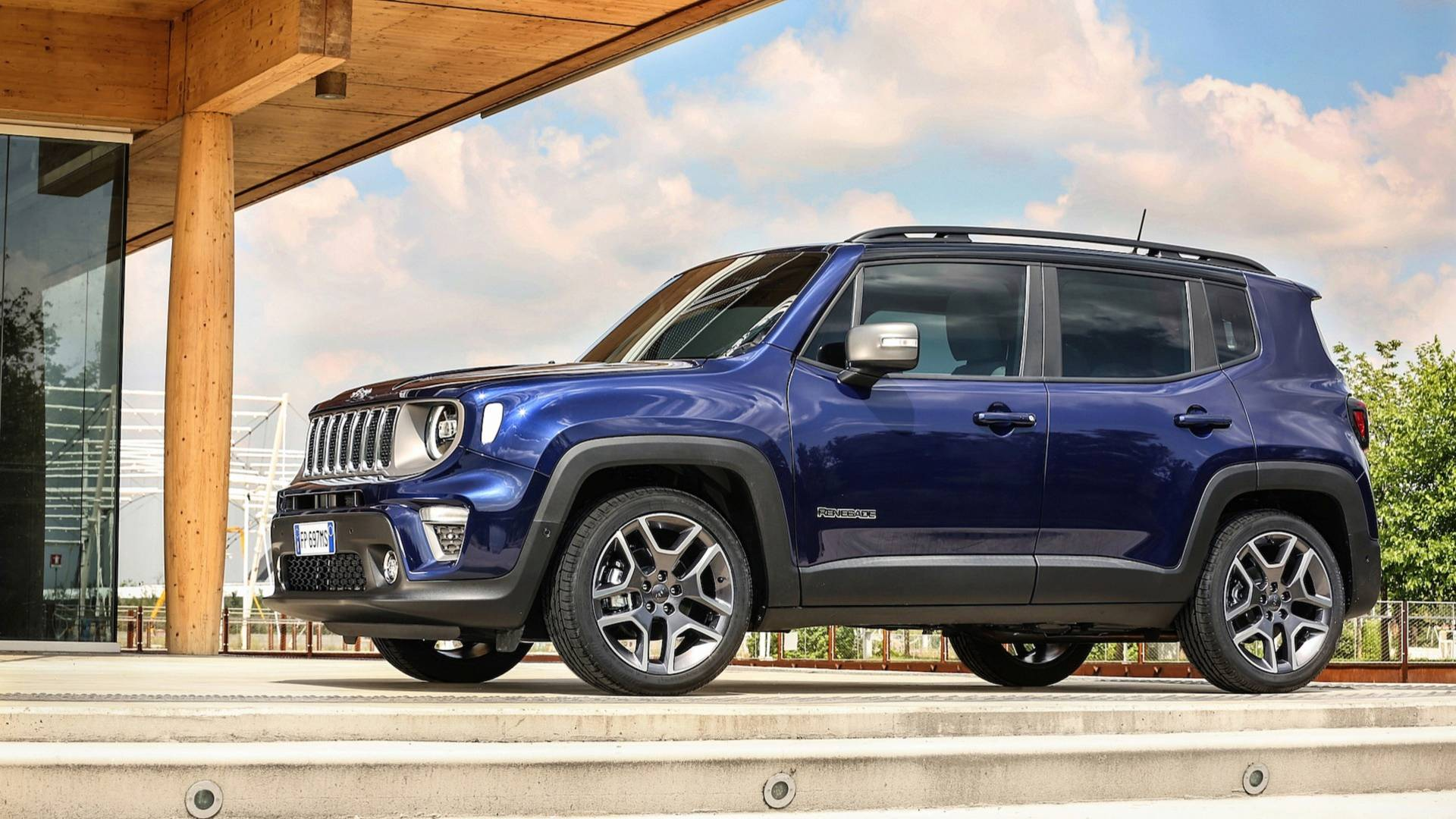jeep renegade crash tested by the euro ncap awarded the coveted 5 star rating autoevolution. Black Bedroom Furniture Sets. Home Design Ideas