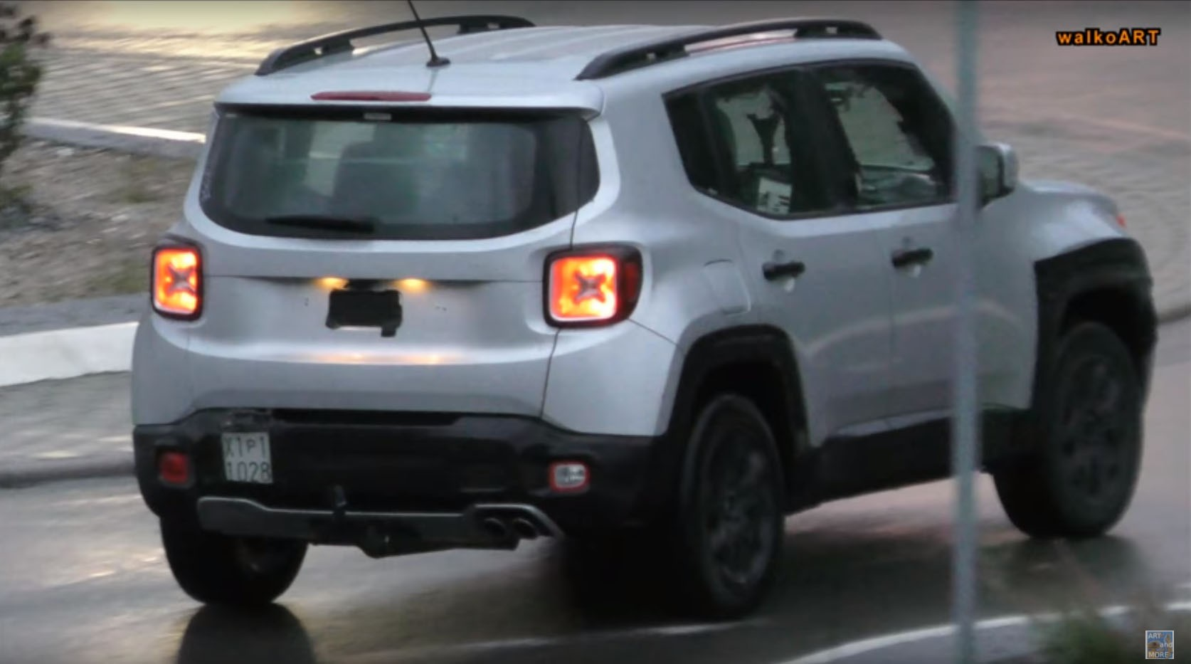 2019 Jeep Renegade Facelift Says Cheese To The Camera Shows Led