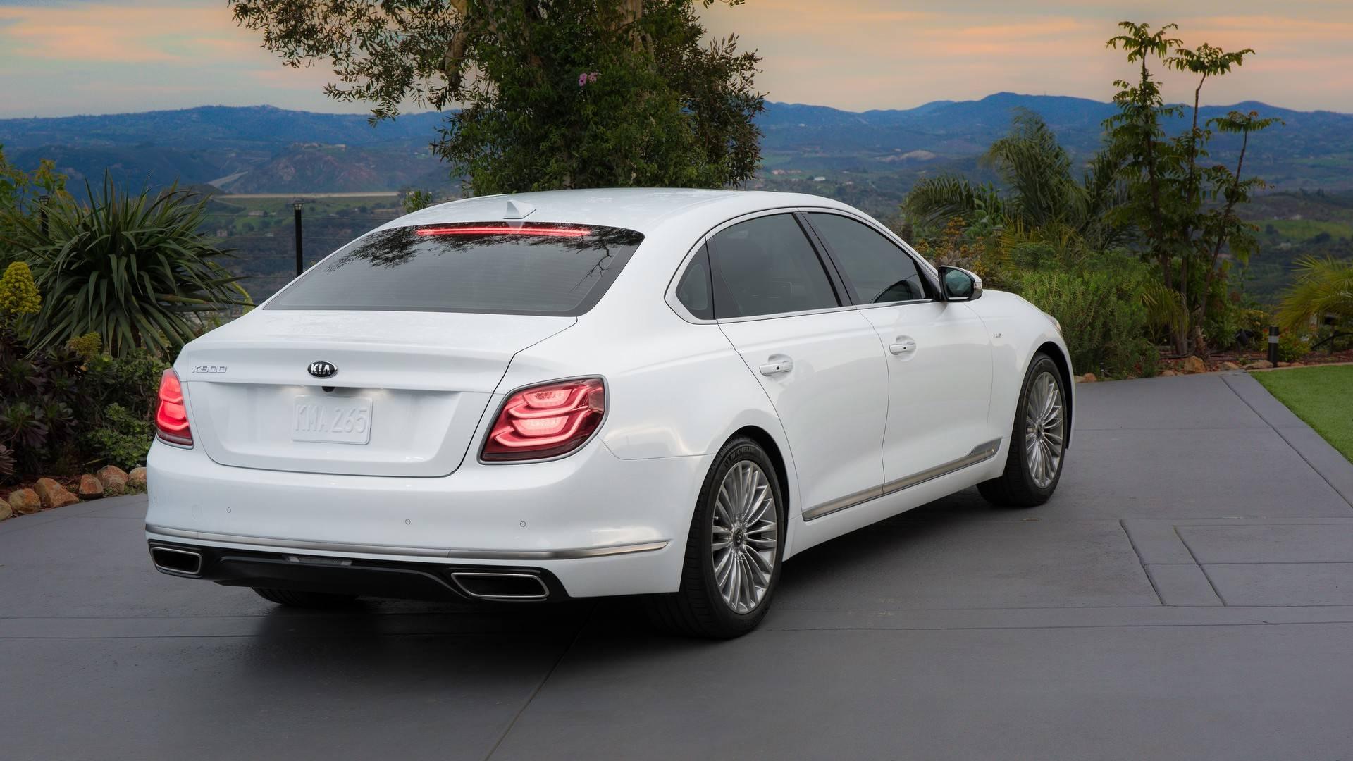 2019 K900 Adds Luxury to Kia Range, Brings Stinger GT ...