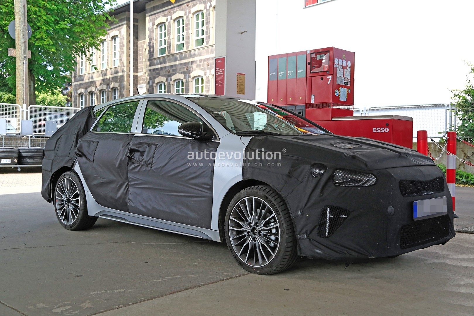 2019 kia ceed fastback spotted for the first time could. Black Bedroom Furniture Sets. Home Design Ideas