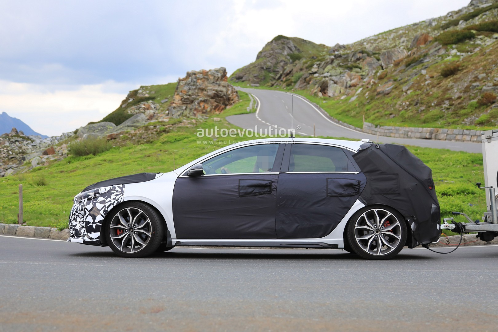 2019 kia ceed gt spied testing in the alps autoevolution. Black Bedroom Furniture Sets. Home Design Ideas