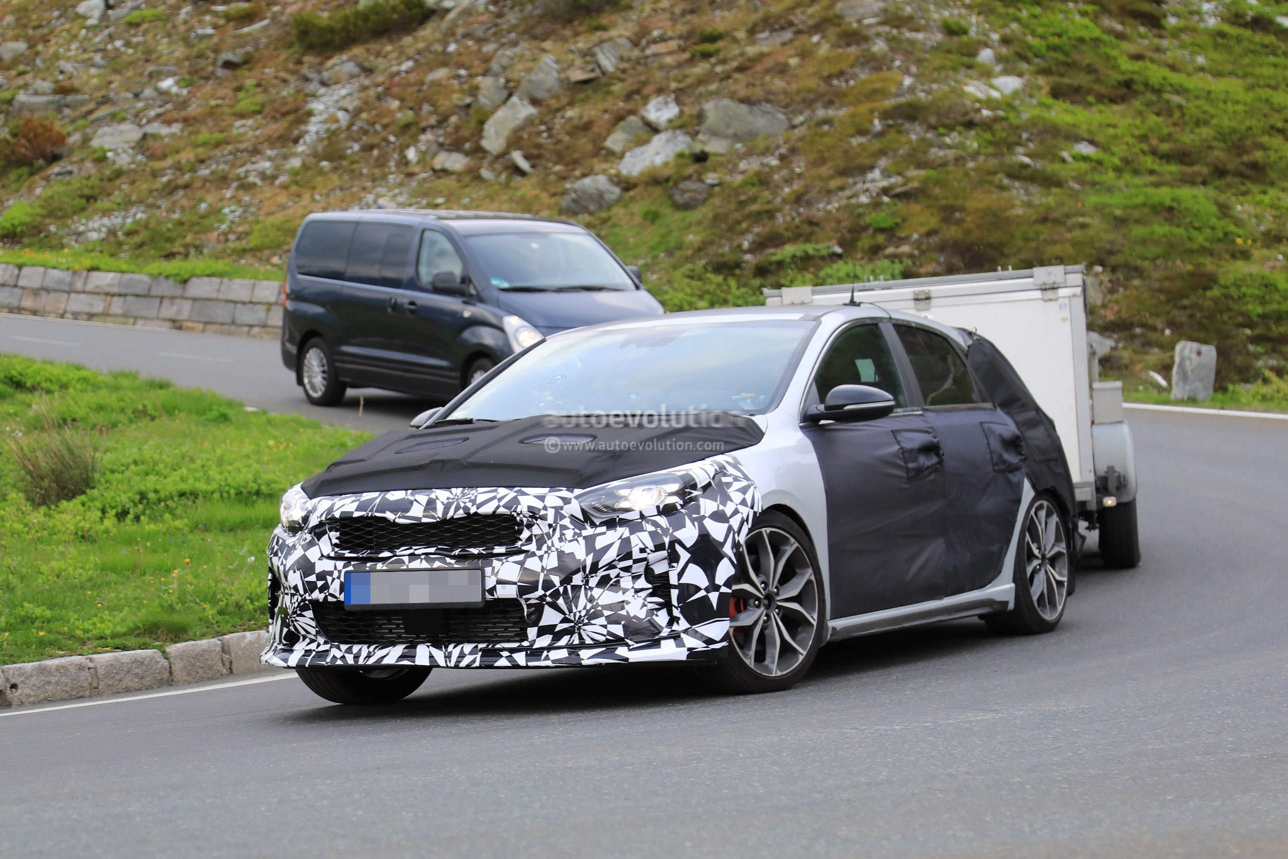 Spyshots 2019 Kia Ceed Gt Caught Towing At High Altitude