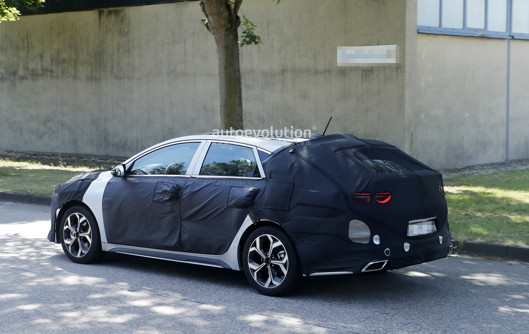 2019 Kia Proceed GT Prototype Looks Like a Forte Wagon ...