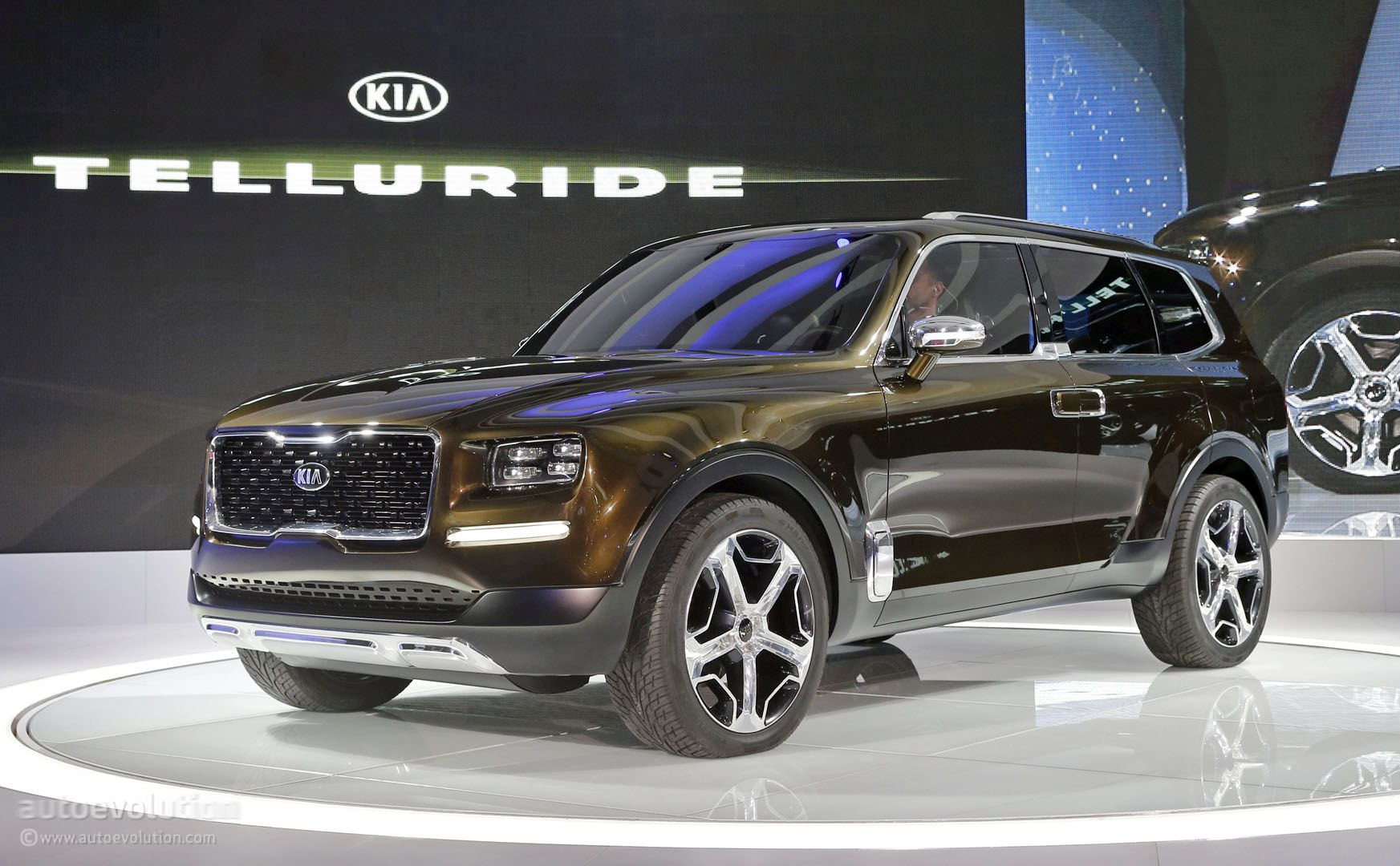 2019 Kia Telluride SUV Spied For The First Time, Looks Ready For Production - autoevolution