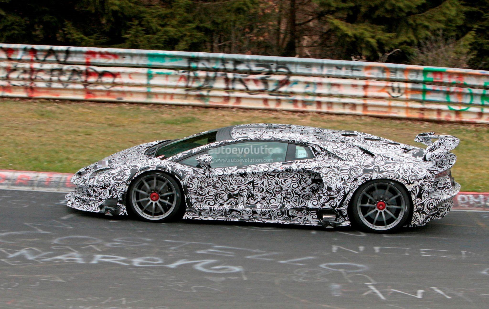 Lamborghini Aventador Wrapped In Gold Chrome Autoevolution