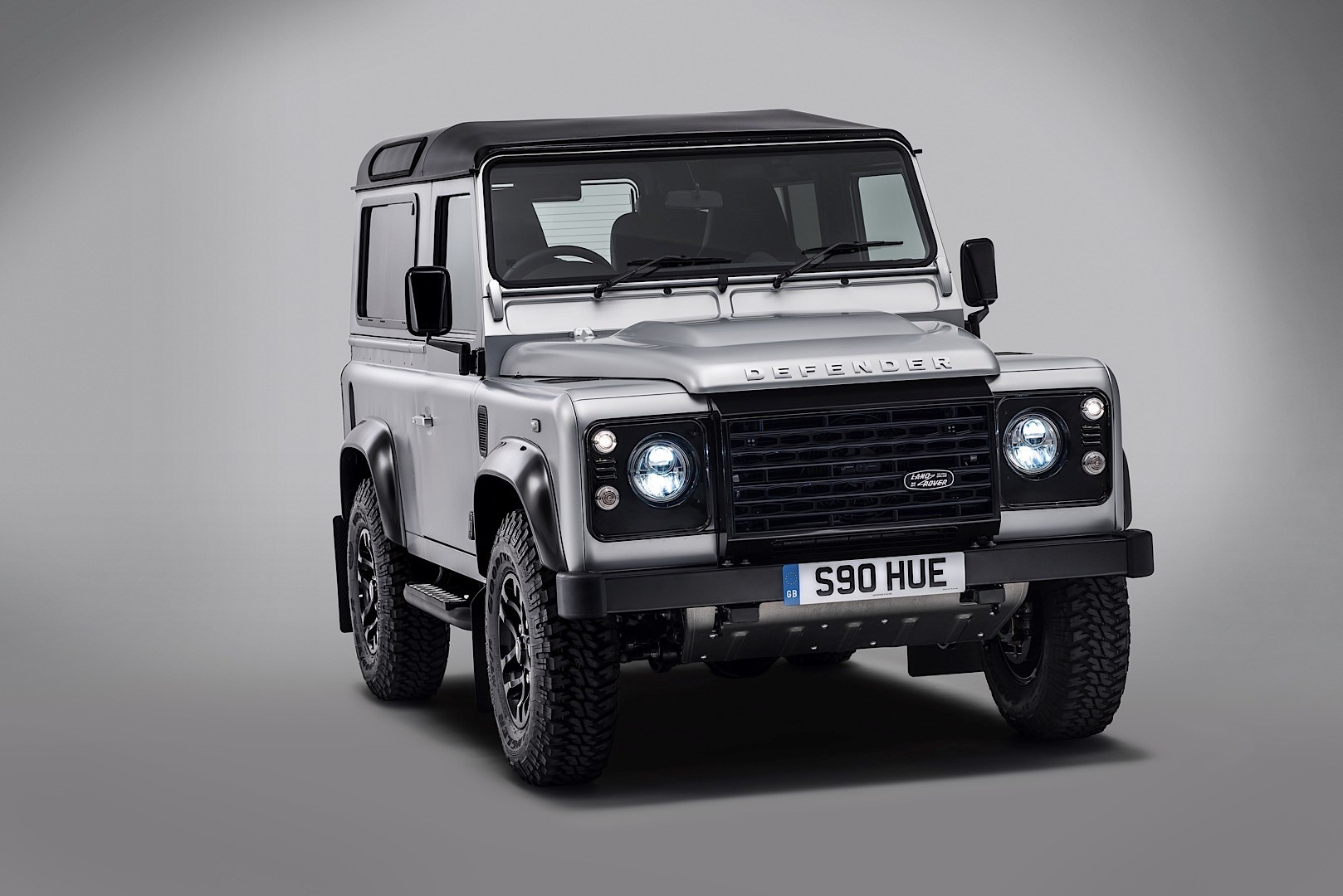 2019 land rover defender will be electrified p400e plug in hybrid possible autoevolution. Black Bedroom Furniture Sets. Home Design Ideas