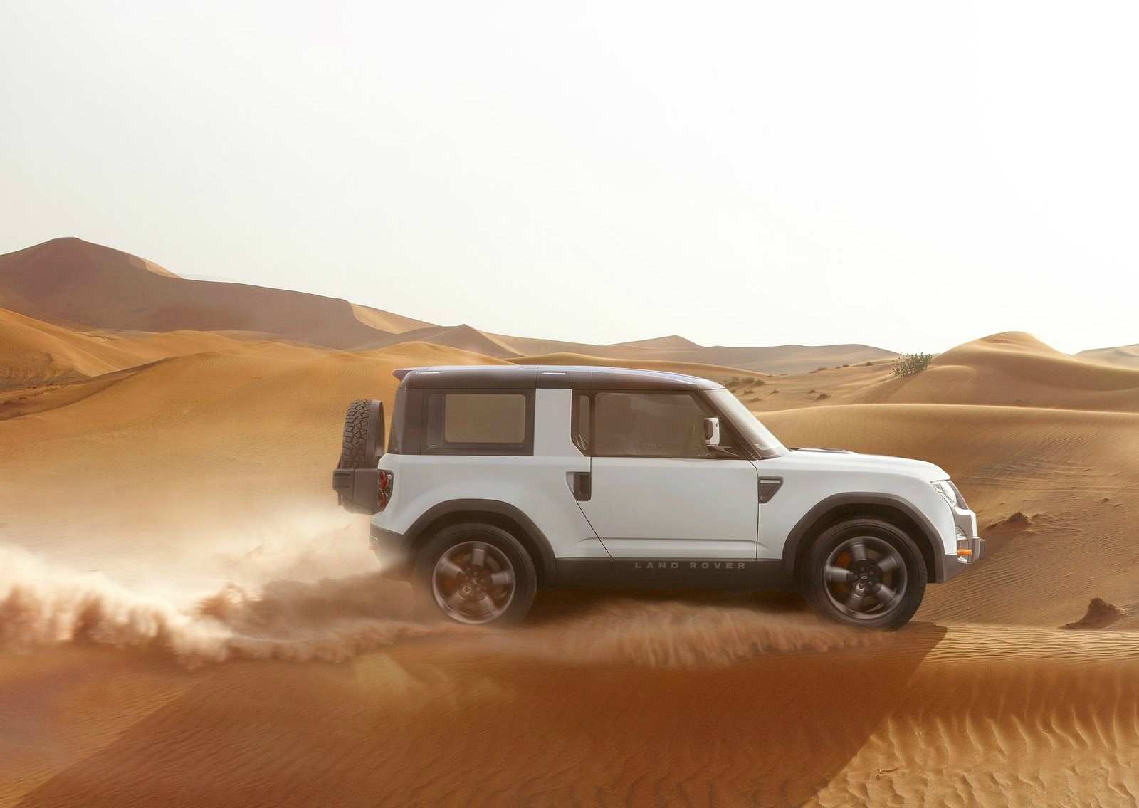 2019 Land Rover Defender Will Be Electrified P400e Plug