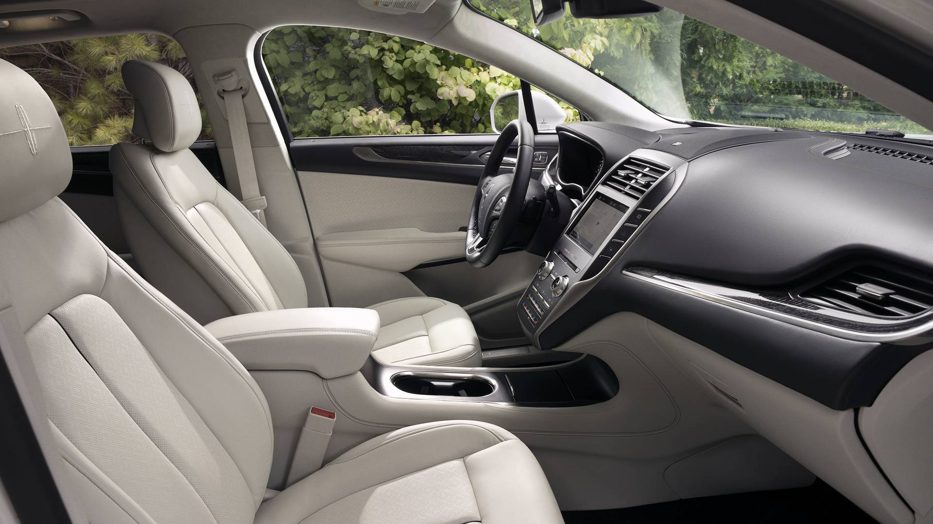 2019 Lincoln MKC Priced $640 Higher, Arriving At Dealers This Summer ...