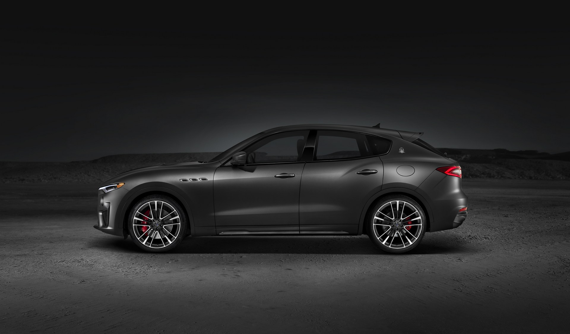 Maserati Ghibli S Q4 >> 2019 Maserati Levante GTS is No Trofeo, Packs 550-HP V8 ...