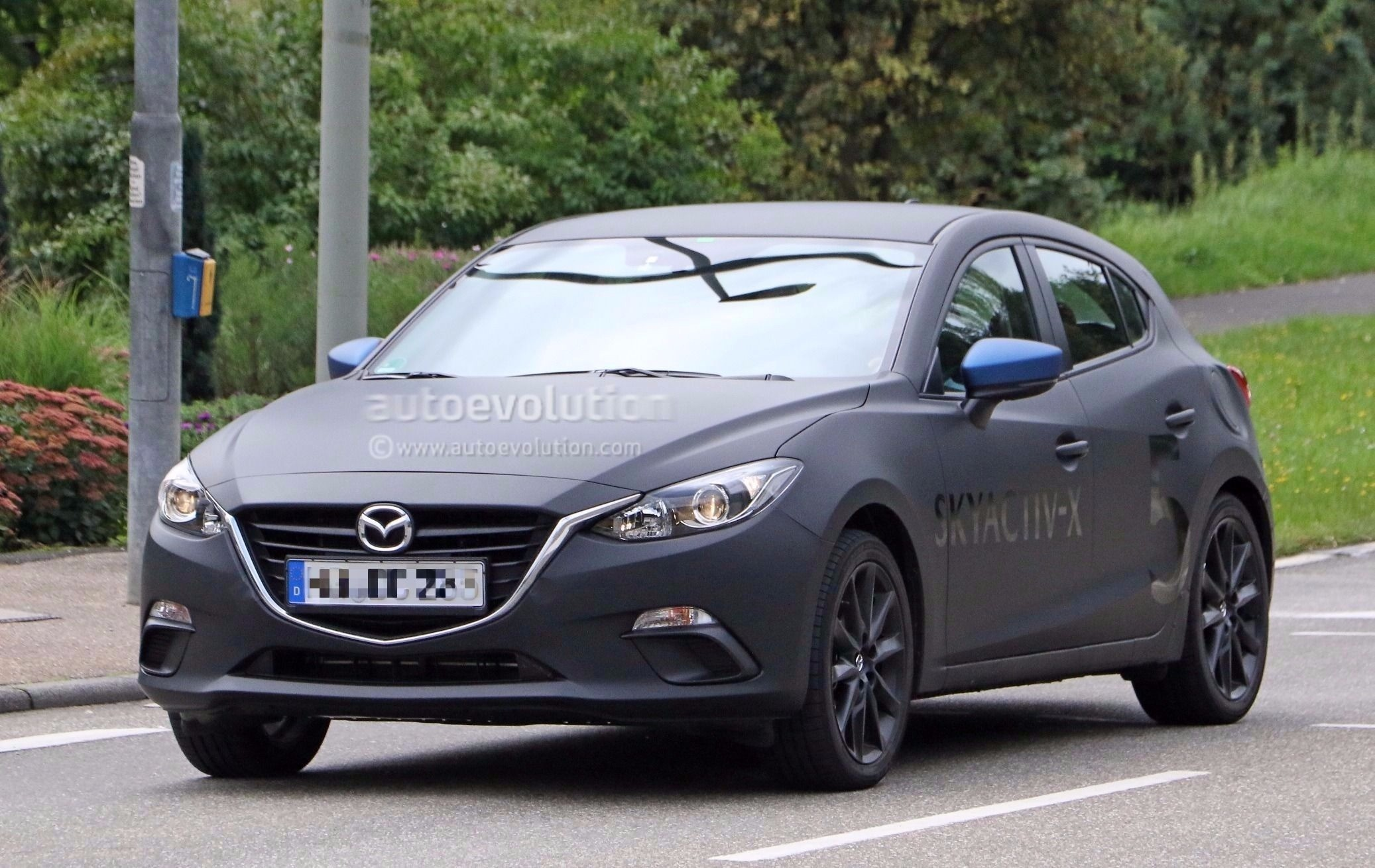spyshots 2019 mazda3 skyactiv x mule testing with 2017. Black Bedroom Furniture Sets. Home Design Ideas