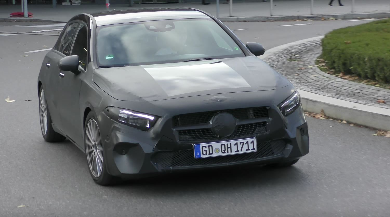 Mercedes CLS Caught on Video
