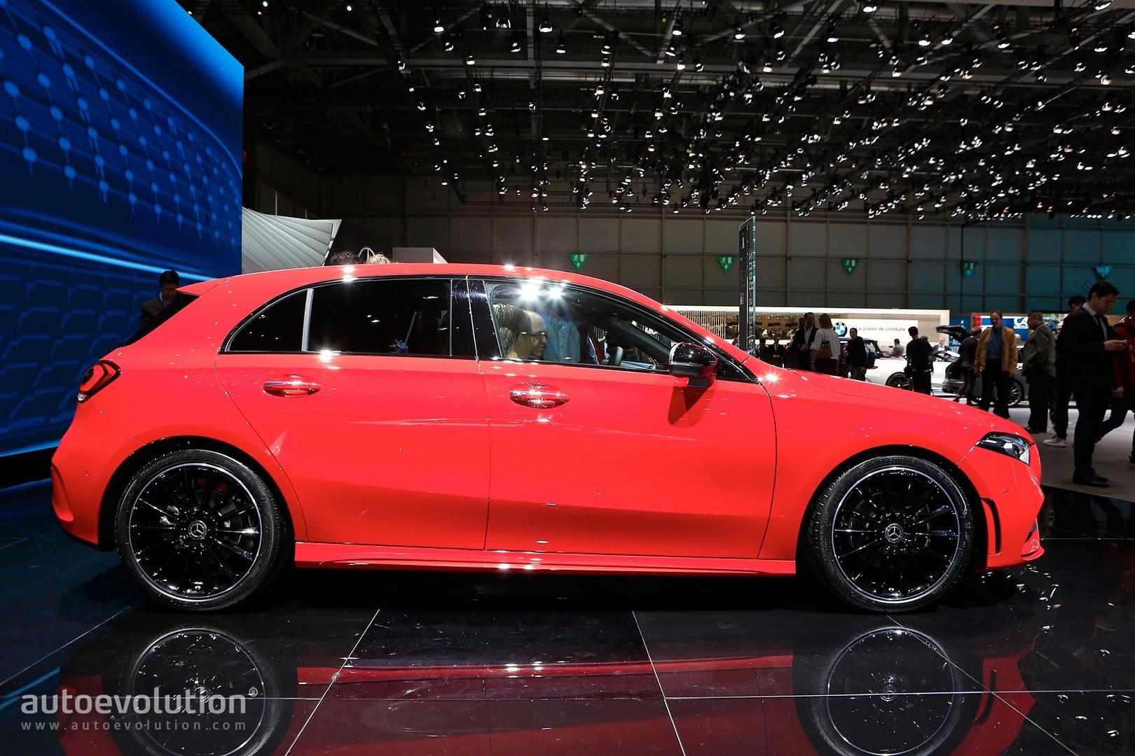 2019_2019Mercedes-BenzA-ClassRedefinesthePremiumCompactinGeneva-autoevolution