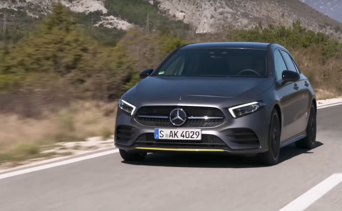 2019 mercedes a class review suggests its the most premium small car autoevolution. Black Bedroom Furniture Sets. Home Design Ideas