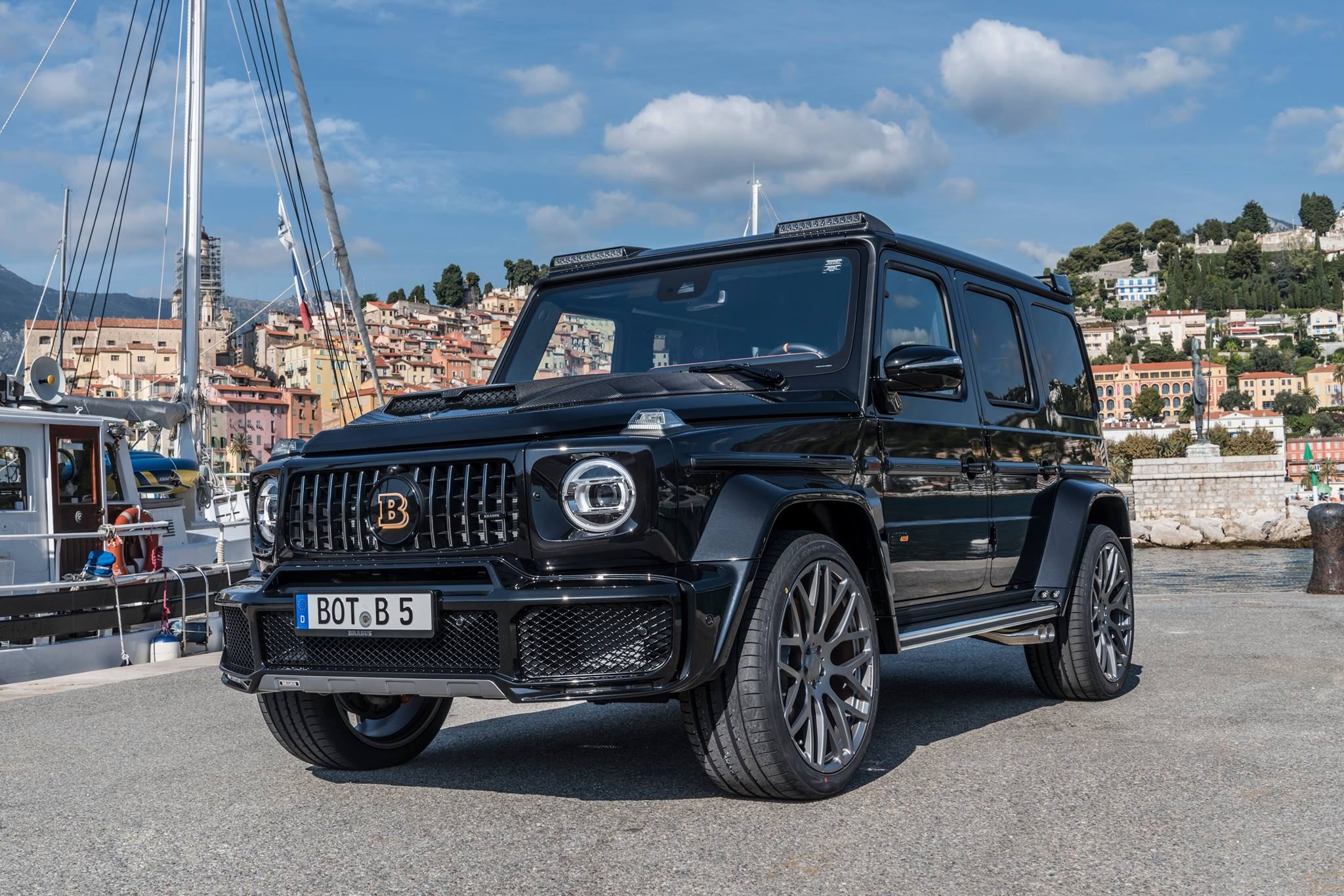2019 mercedes amg g63 tuned by brabus makes 700 hp. Black Bedroom Furniture Sets. Home Design Ideas