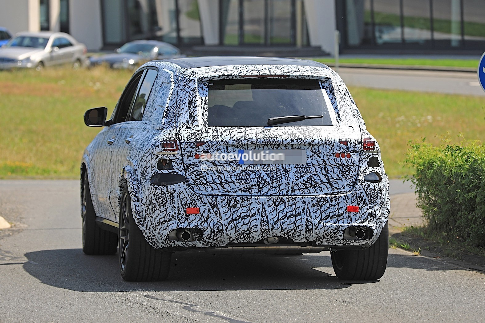 2019 mercedes-amg gle 63 flaunts panamericana grille
