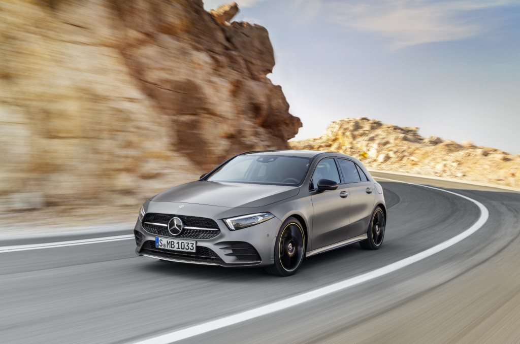 2019 mercedes benz a class launched becomes the techiest model in the segment autoevolution. Black Bedroom Furniture Sets. Home Design Ideas