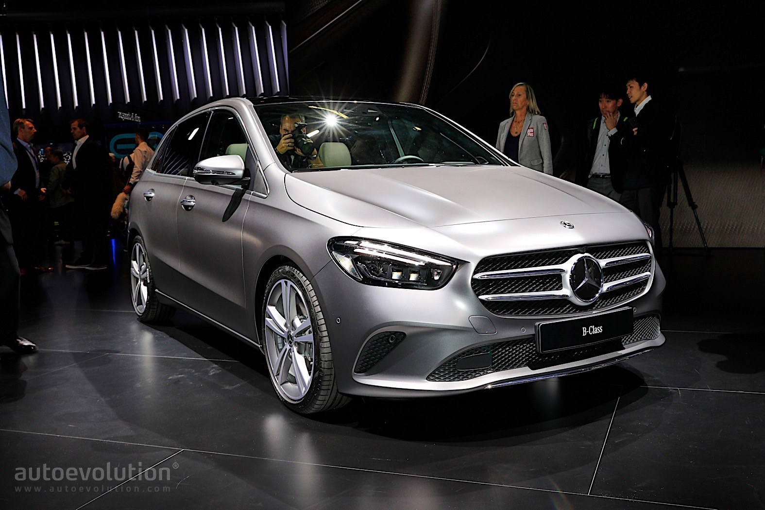 2019 Mercedes Benz B Class Shows Paris The New Lines Of A
