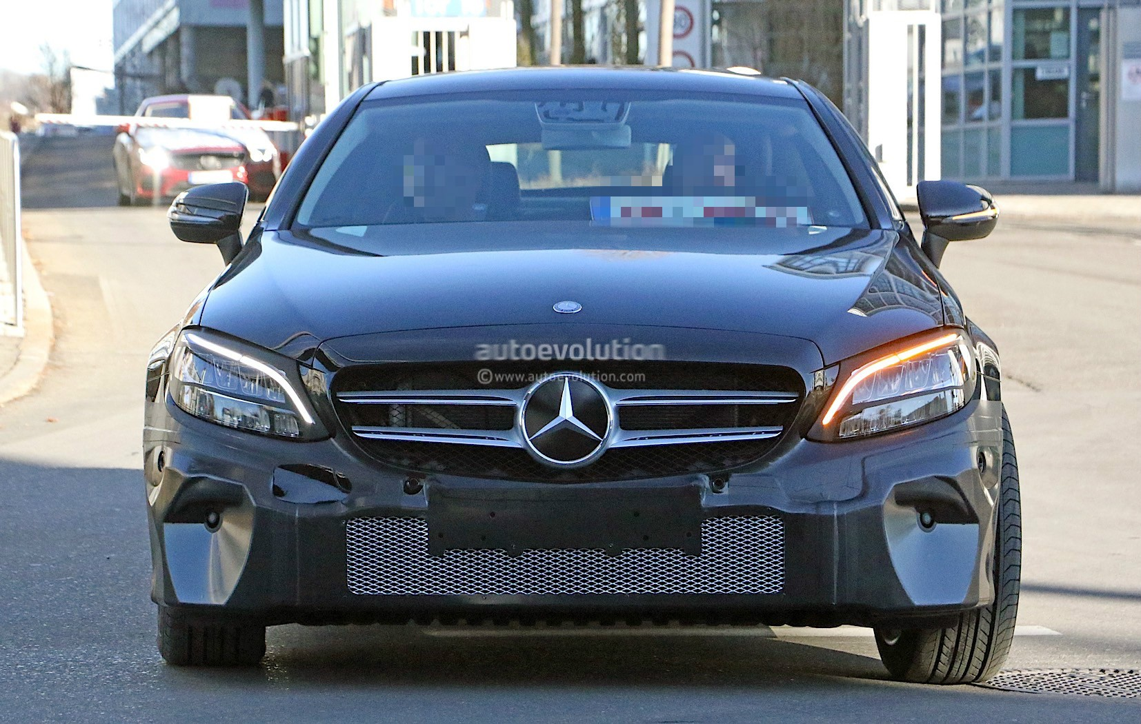 2019 Mercedes-Benz C-Class Coupe Facelift Shows All-New LED