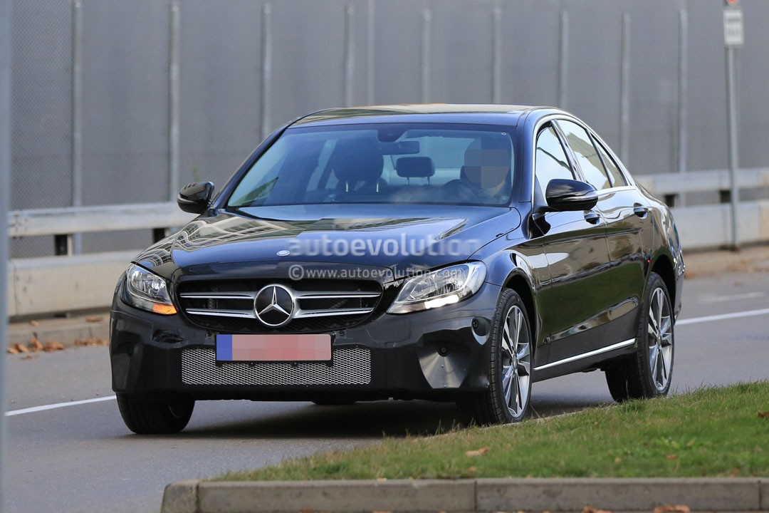 2018 - [Mercedes] Classe C Restylée [W205/S205] 2019-mercedes-benz-c-class-facelift-may-cause-a-bit-of-confusion_2
