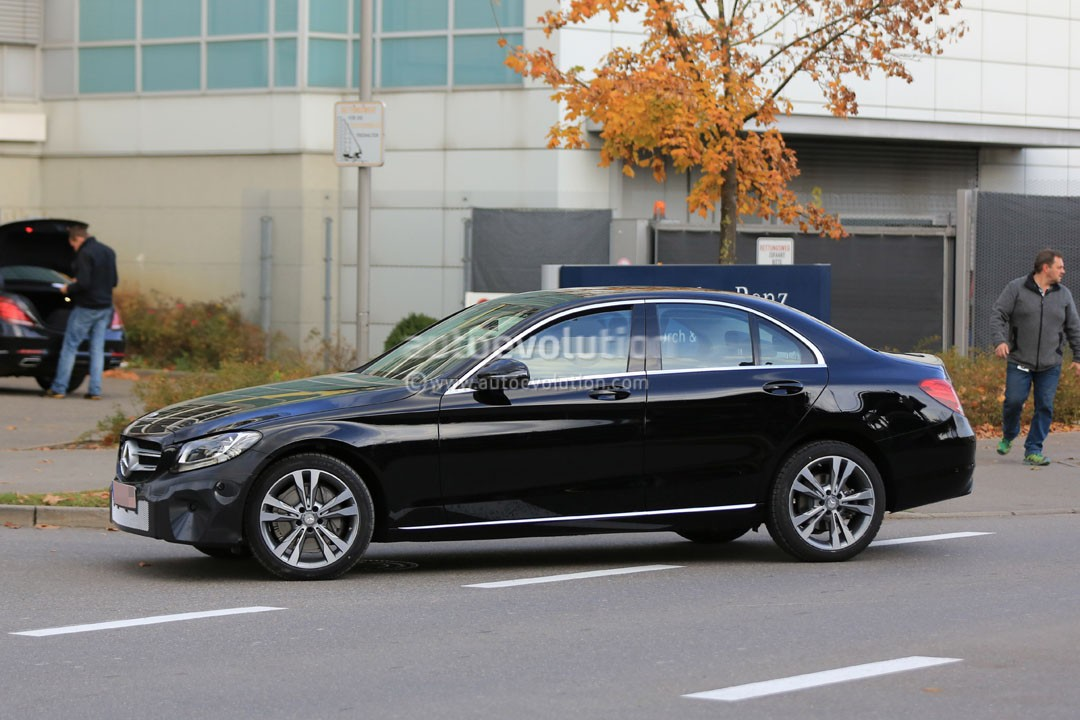 update 2019 mercedes benz c class facelift may cause a bit of confusion autoevolution. Black Bedroom Furniture Sets. Home Design Ideas
