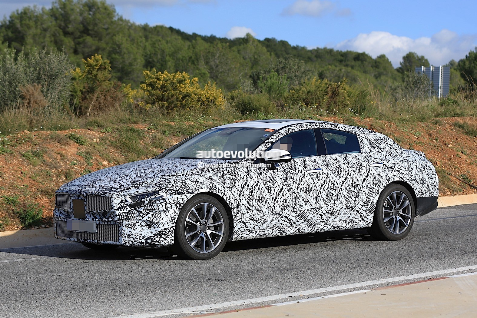 2019 mercedes benz cle prototype shows glimpse of for Mercedes benz cle