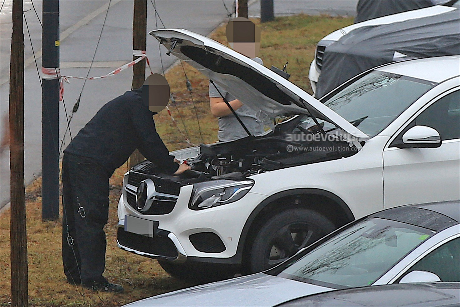 2019 - [Mercedes-Benz] EQ C 2019-mercedes-benz-eva-full-electric-chassis-testing-mules-spied_15