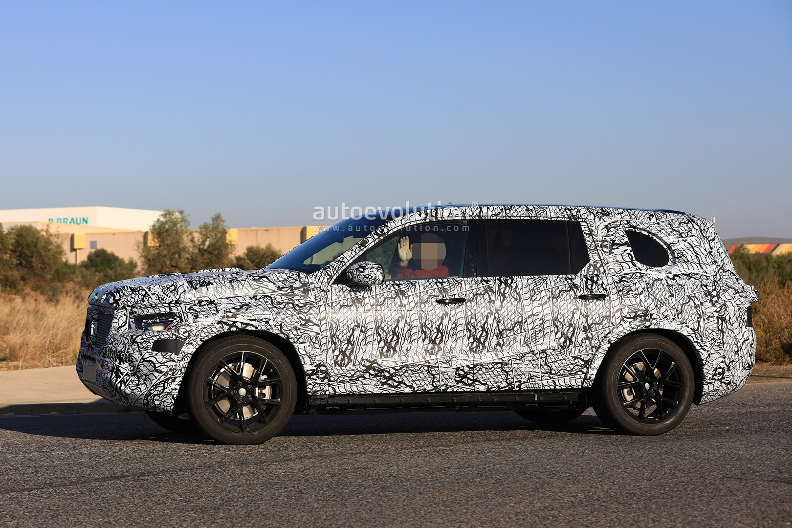 2019 mercedes benz gle and gls spied testing together in for Mercedes benz gle 2019