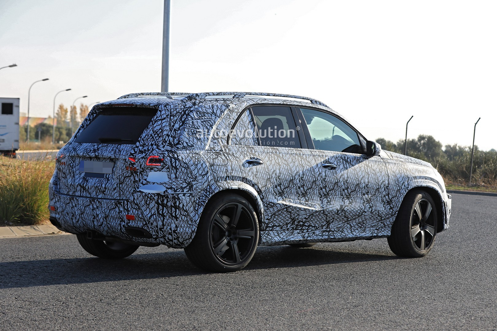 2019 Mercedes Benz Gle And Gls Spied Testing Together In