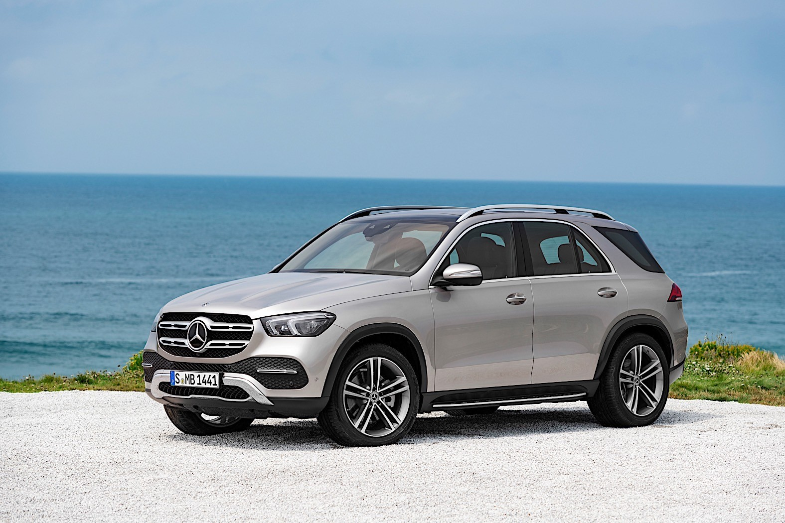 Mercedes Benz Gle Breaks Cover Packed With Technology
