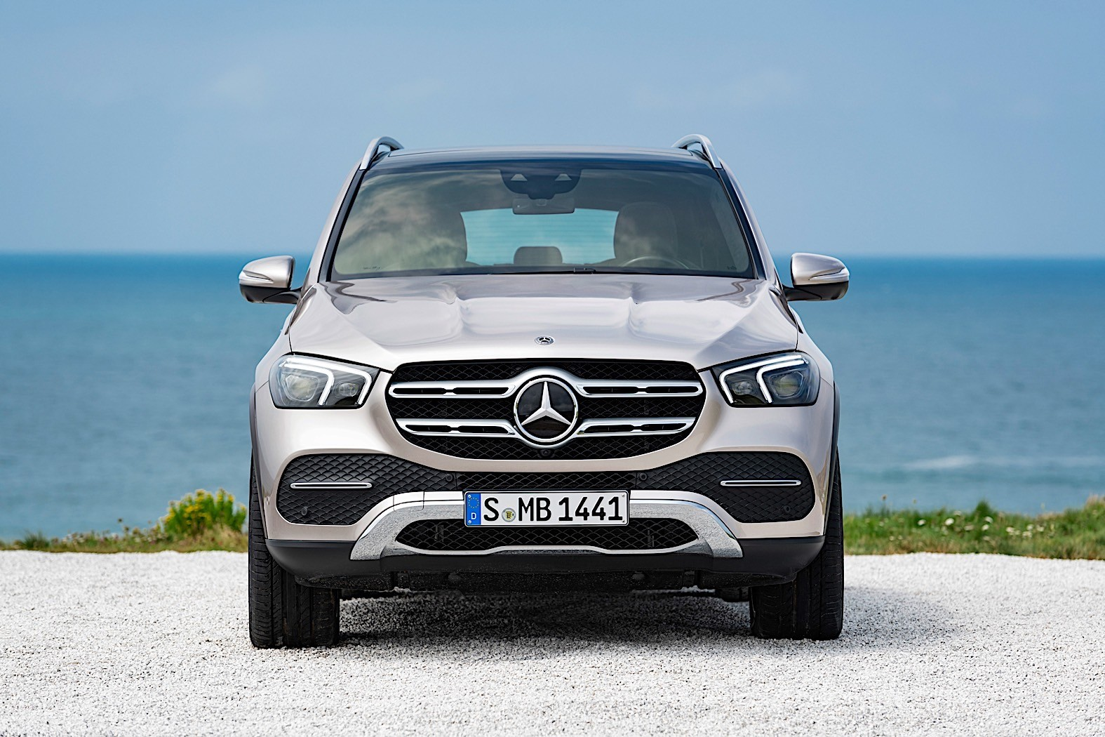 2019 Mercedes-Benz GLE Breaks Cover, Packed with ...