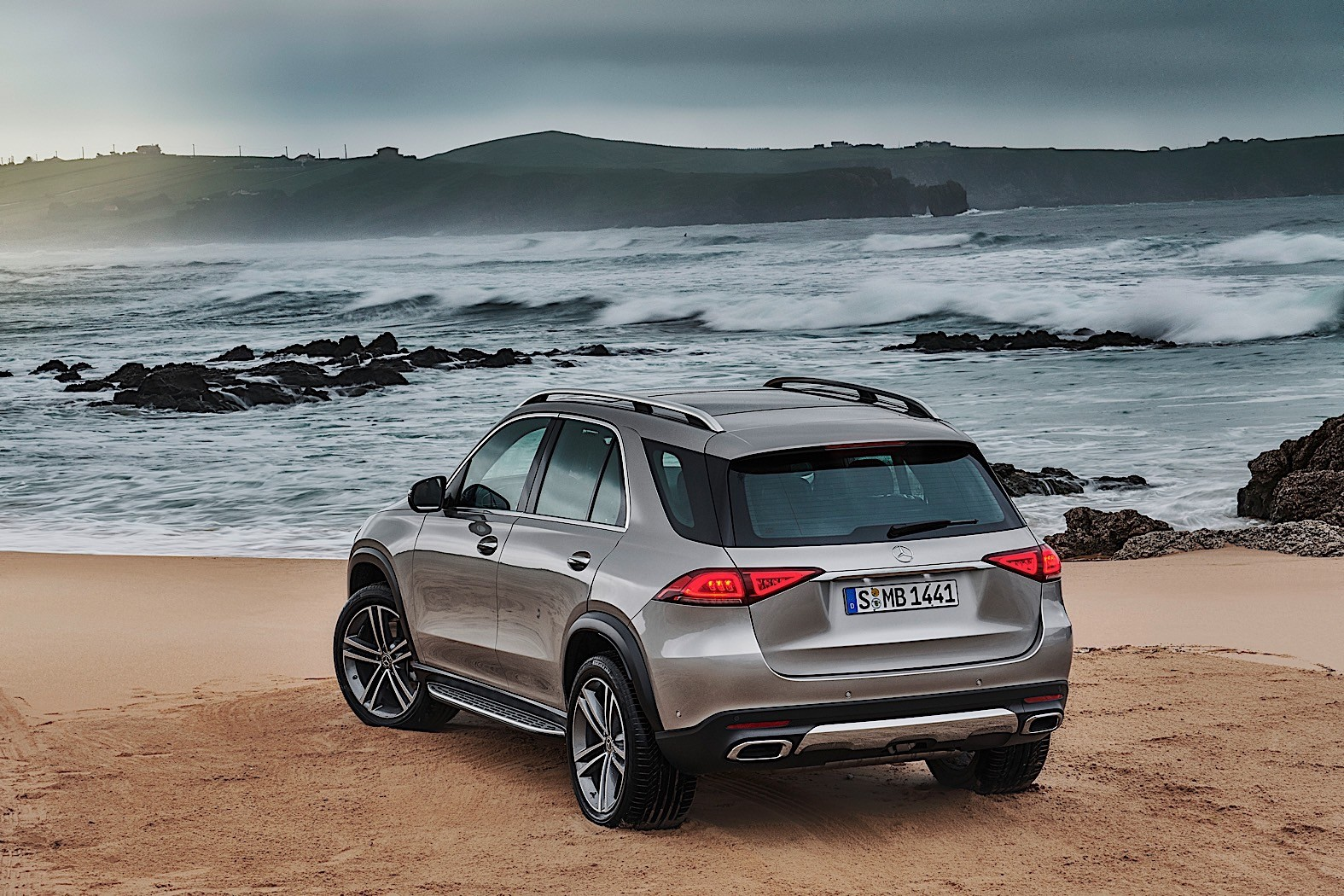 2019 Gle Suv >> 2019 Mercedes-Benz GLE Breaks Cover, Packed with Technology - autoevolution