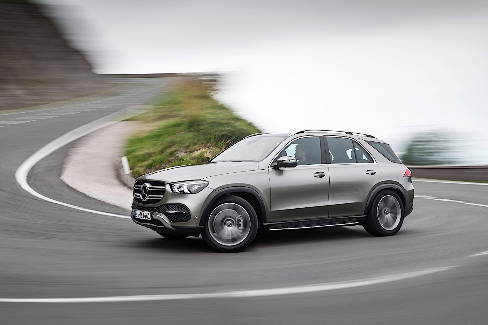2019 Mercedes Benz Gle Breaks Cover Packed With