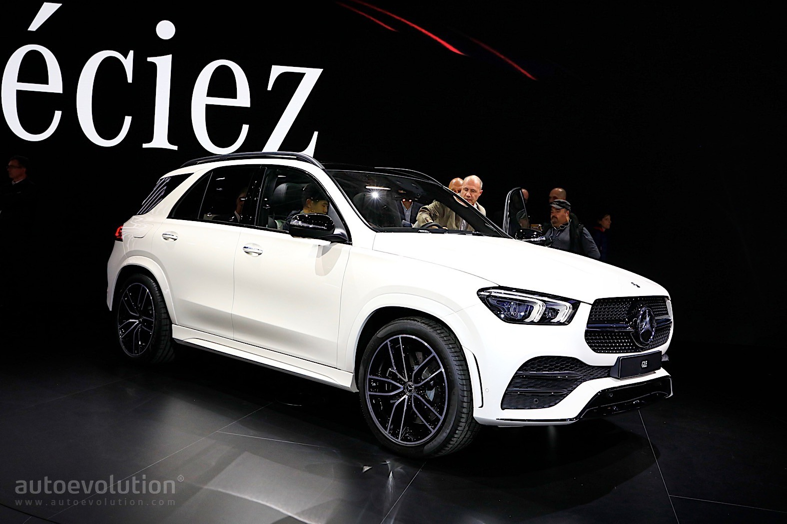 2019 Mercedes Benz Gle Shows Purebred Suv Prowess In Paris
