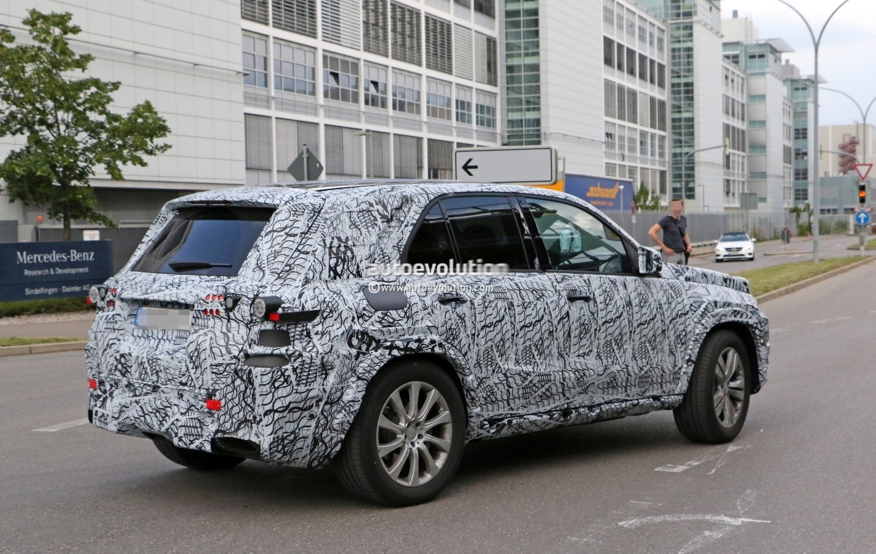 2019 mercedes benz gle spied up close will have a much for How much is a mercedes benz suv