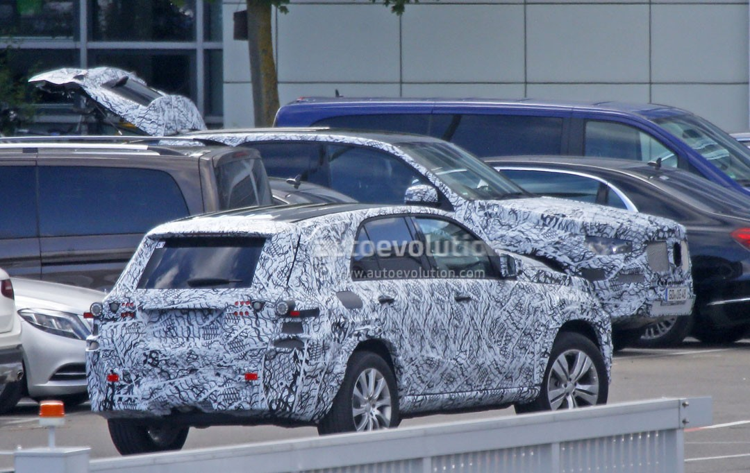 2019 Mercedes-Benz GLE Spy Shots Also Hide the First ...
