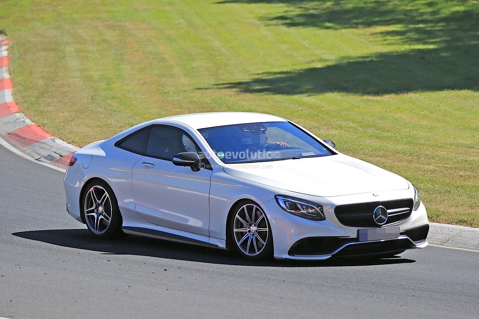 2019 mercedes benz sl prototype returns looks like an s for Mercedes benz news