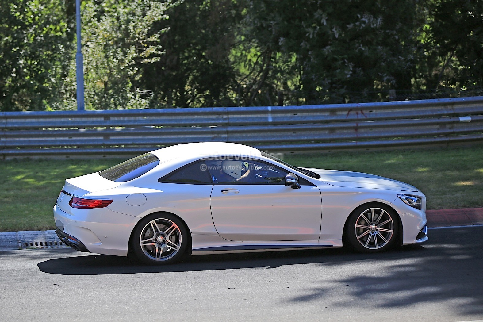2019 mercedes benz sl rumored to go 2 2 autoevolution for Mercedes benz of cleveland