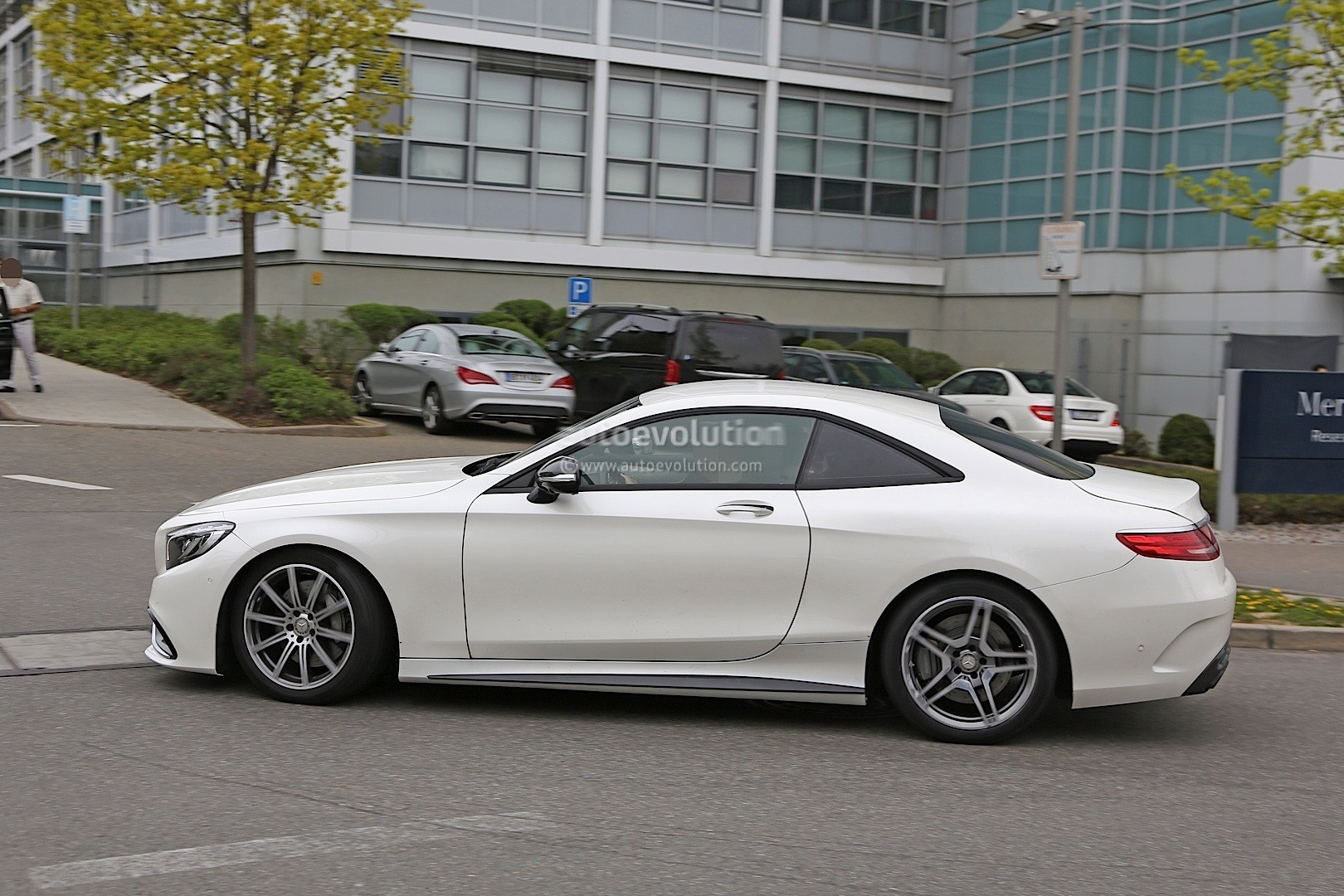 2019 Mercedes Benz Sl Rumored To Go 2 2 Autoevolution