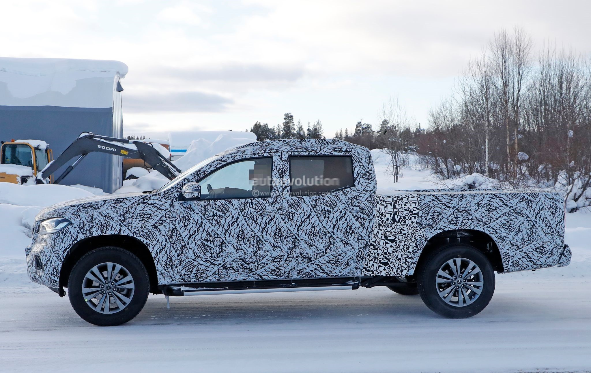 Spyshots: 2019 Mercedes-Benz X-Class Caught Sporting Longer Bed ...
